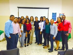 Estudiantes de Marketing de UCATEBA realizan primera actividad de exposiciones