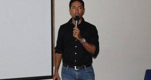 Jonás Guevara imparte Conferencia sobre Identidad Corporativa en UCATEBA